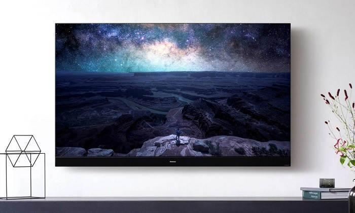 Потужний телевізор Panasonic HZ2000 4K OLED