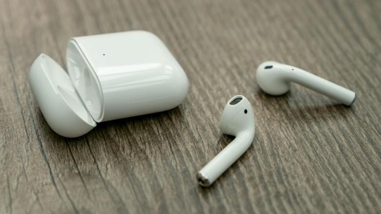 Бездротові навушники Apple AirPods