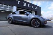 На автомобілях Tesla дозволять грати в GTA
