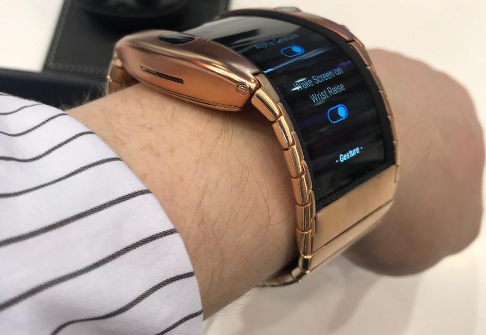 Nubia представить смарт годинник з гнучким дисплеєм