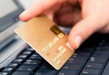 Українцям розповіли, чому необхідно ставити підпис на банківських картах