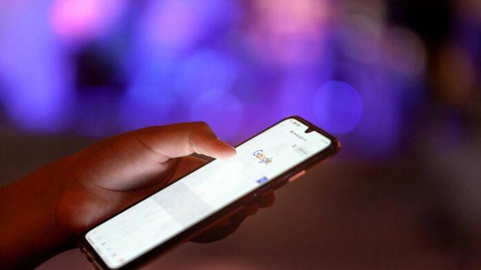 Названо 5 додатків, які допоможуть виявити стеження за вами на Android-смартфоні