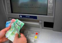 Українцям розповіли, як не потрапити в пастку, знімаючи гроші в банкоматі