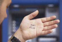Названо простий спосіб запам'ятовування пін-коду та CVC-коду до вашої банківської карти